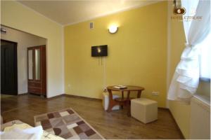 Hotel Czesław, hotele w Gizycku pokój nr.6